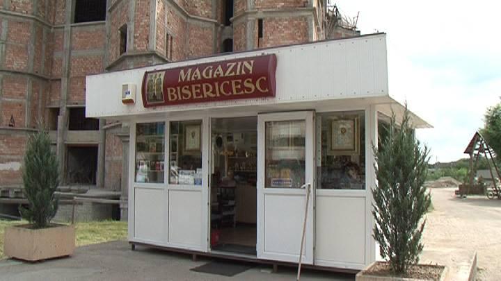 magazinul lidl cu spatele la biserică