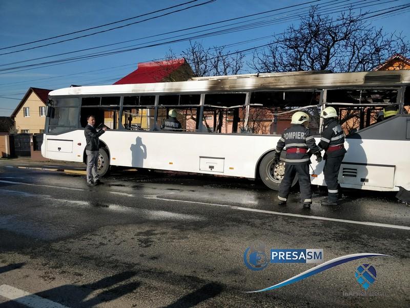 Autobuzul Transurban, cumpărat recent, cuprins de flăcări